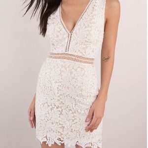 LEI Ivory and Nude Lace Bodycon Dress